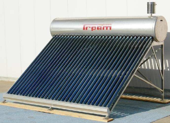 Pannello Solare Per Pompa Di Calore : Pannelli solari per la produzione di acqua calda